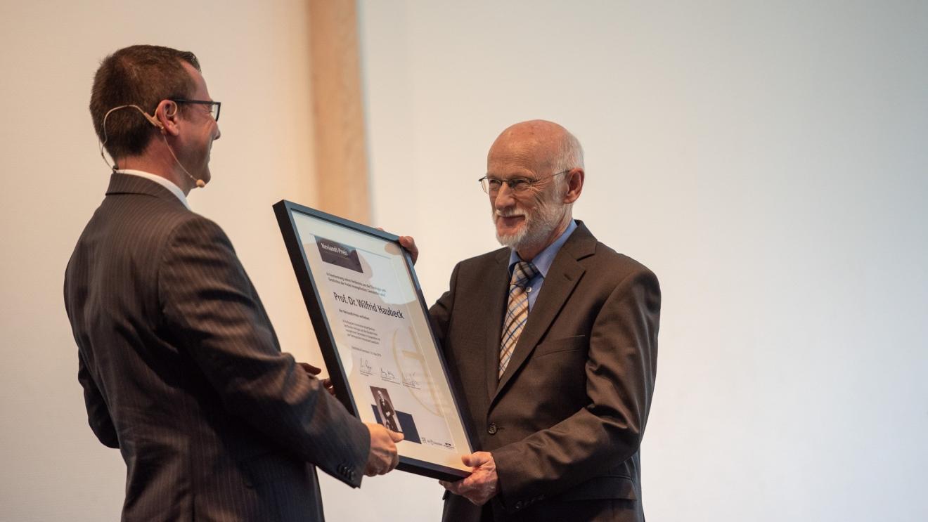 Prof. Dr. Wilfrid Haubeck erhält Neviandt-Preis